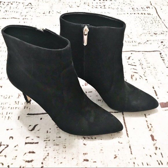 7a88319b4ee2df Sam Edelman Olette Suede Pointed Boots in Black. M 5ae37f5d8af1c596f55982d4
